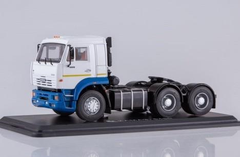 Масштабная модель КАМАЗ 6460